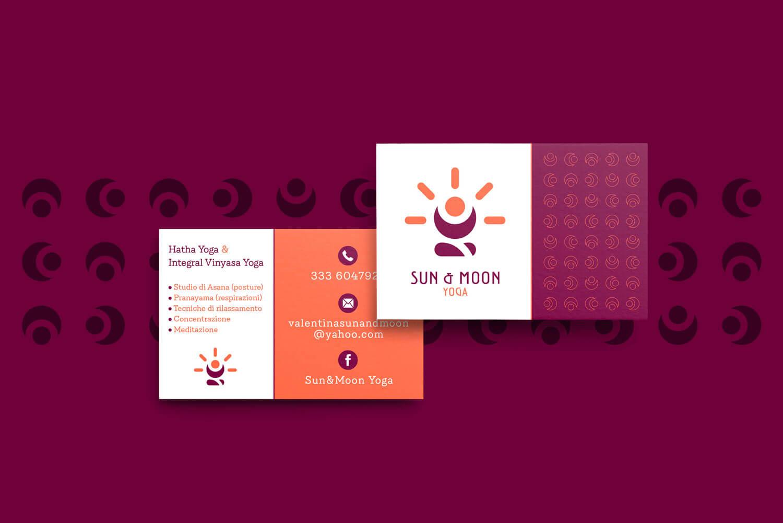 due biglietti da visita fronte e retro con il logo e brand identity design di Sun & Moon Yoga di colore bianco su sfondo viola