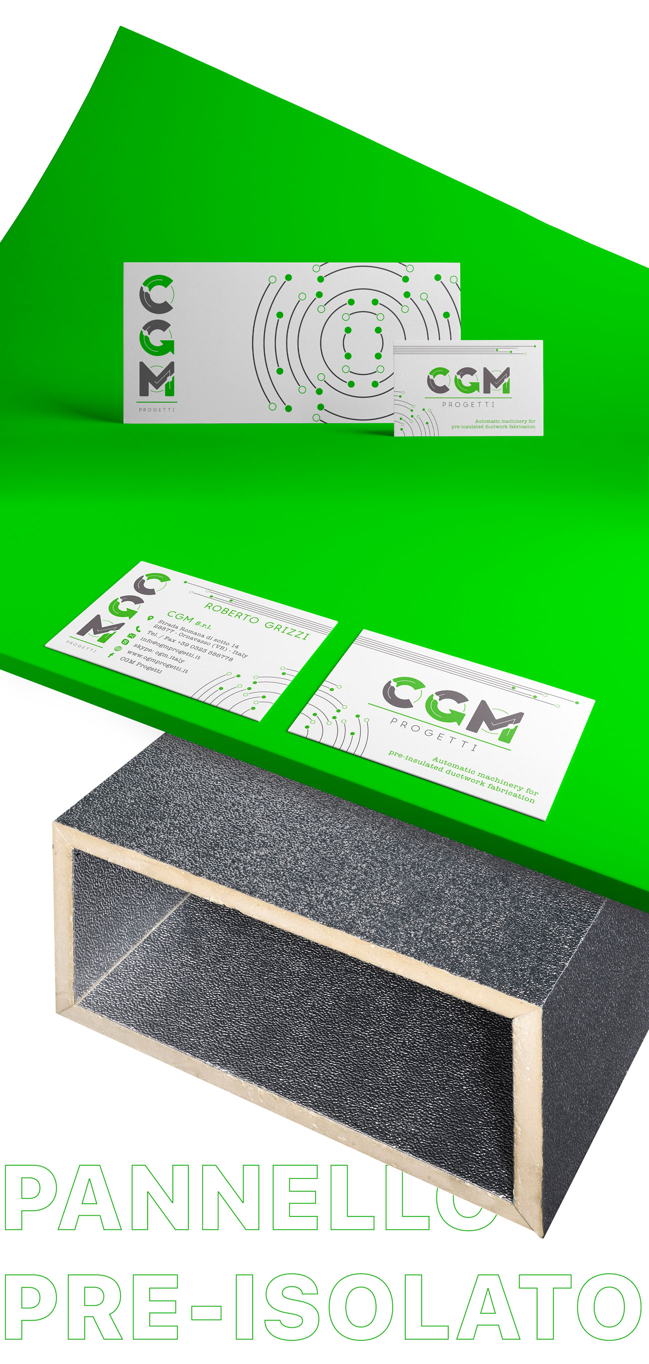 due pannelli pre-isolati posti uno sopra l'altro. il primo è verde e ha appoggiato una busta e tre biglietti da visita. Il secondo è grigio