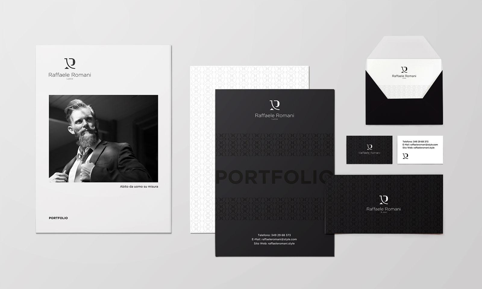 Fogli, cartelletta e busta aziendale con il logo e la brand identity di Raffaele Romani su sfondo bianco