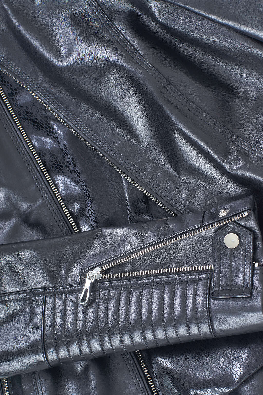 Ribbed Cuffs and Zipper Detail of Jet Black Ribbed Biker Leather Jacket