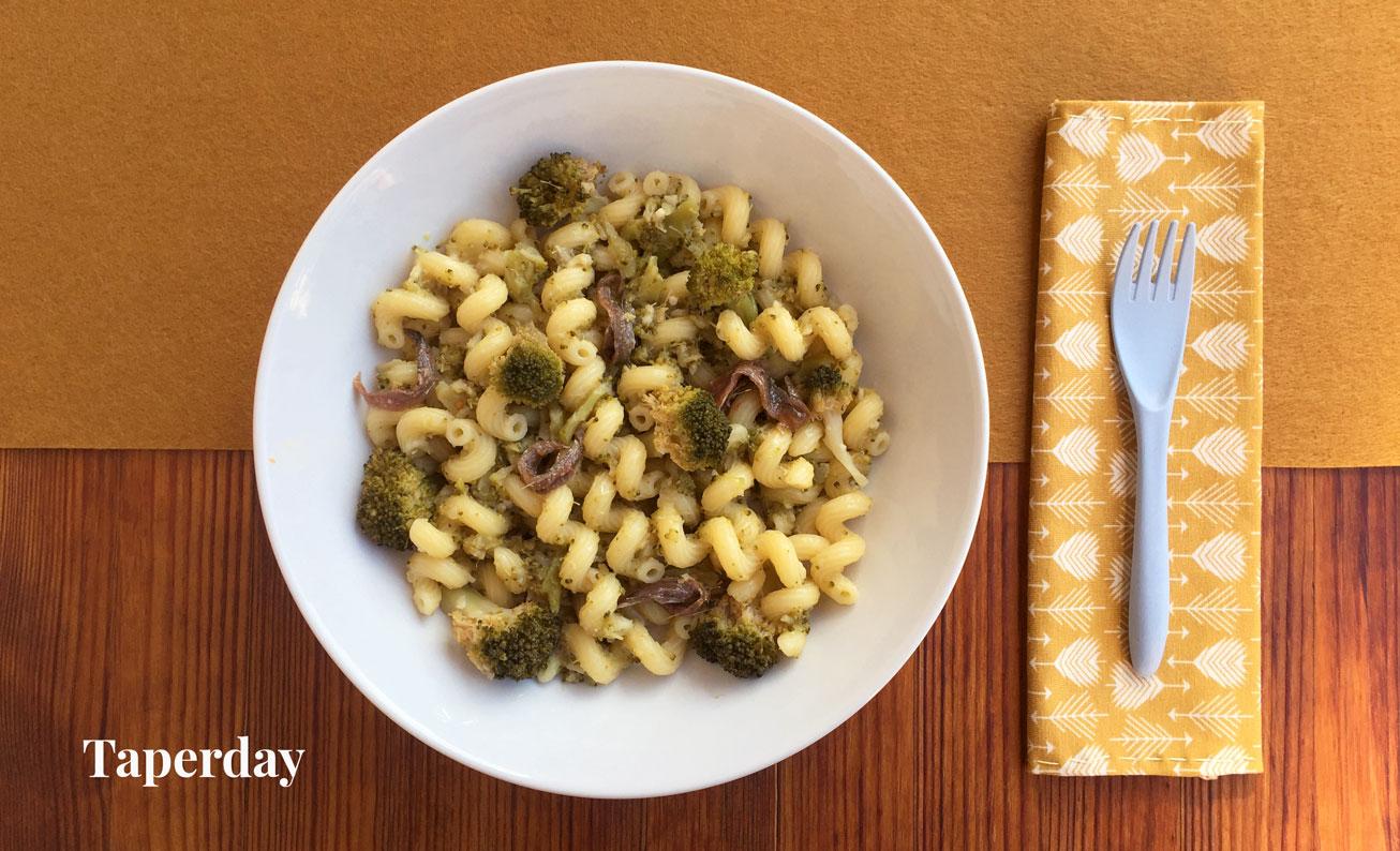 Pasta con brocoli y anchoas