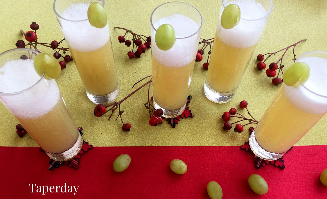 cocktail de cava y uvas