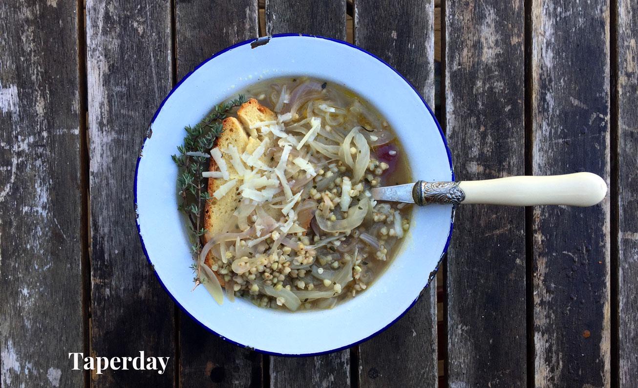Sopa de cebolla y trigo sarraceno