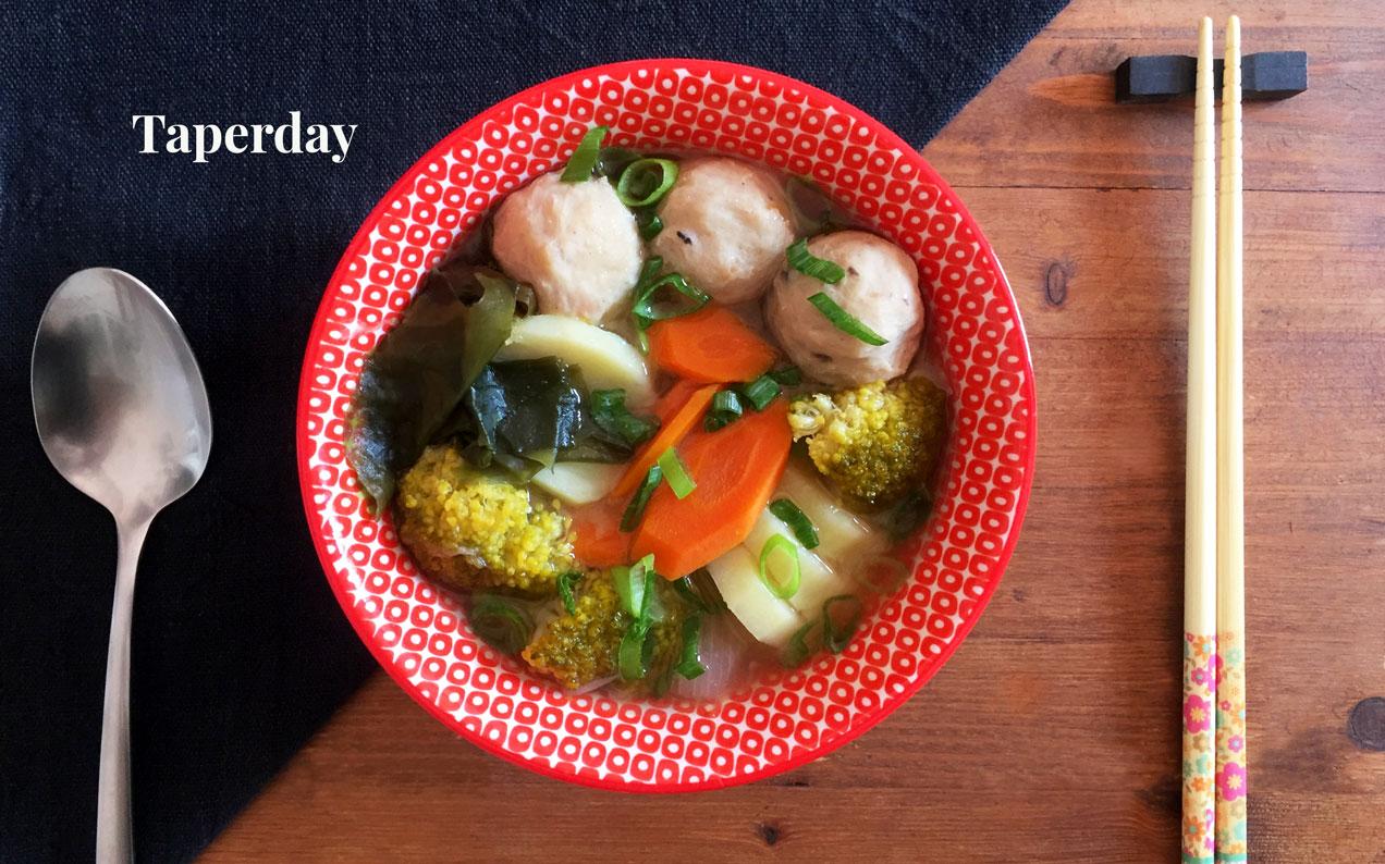 sopa de miso con albondigas