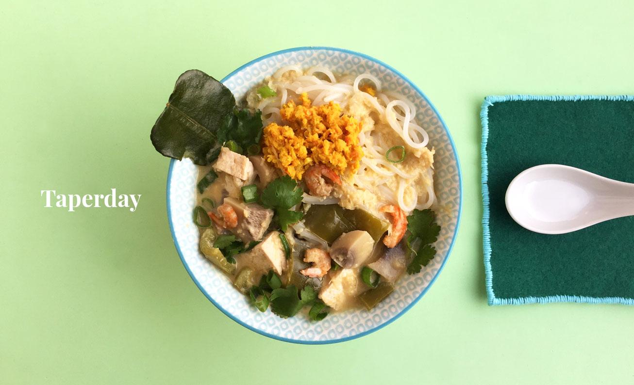 Sopa oriental con camarones secos