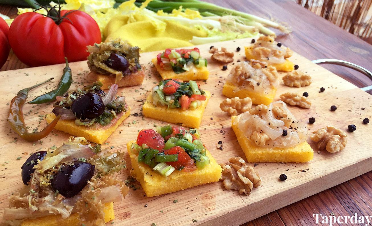 Canapés de polenta veganos