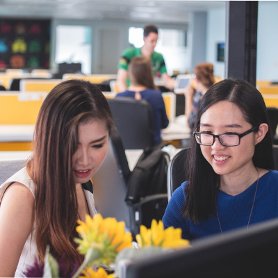 Female Office Workers (asian)