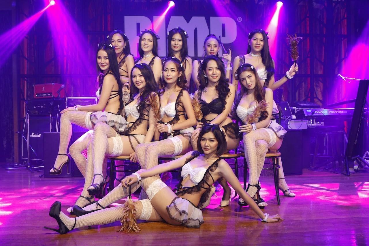 Thai girls at a Gentlemen club in Bangkok