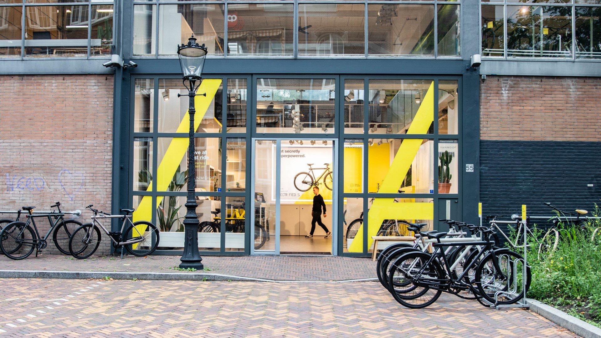 VanMoof Amsterdam Exterior