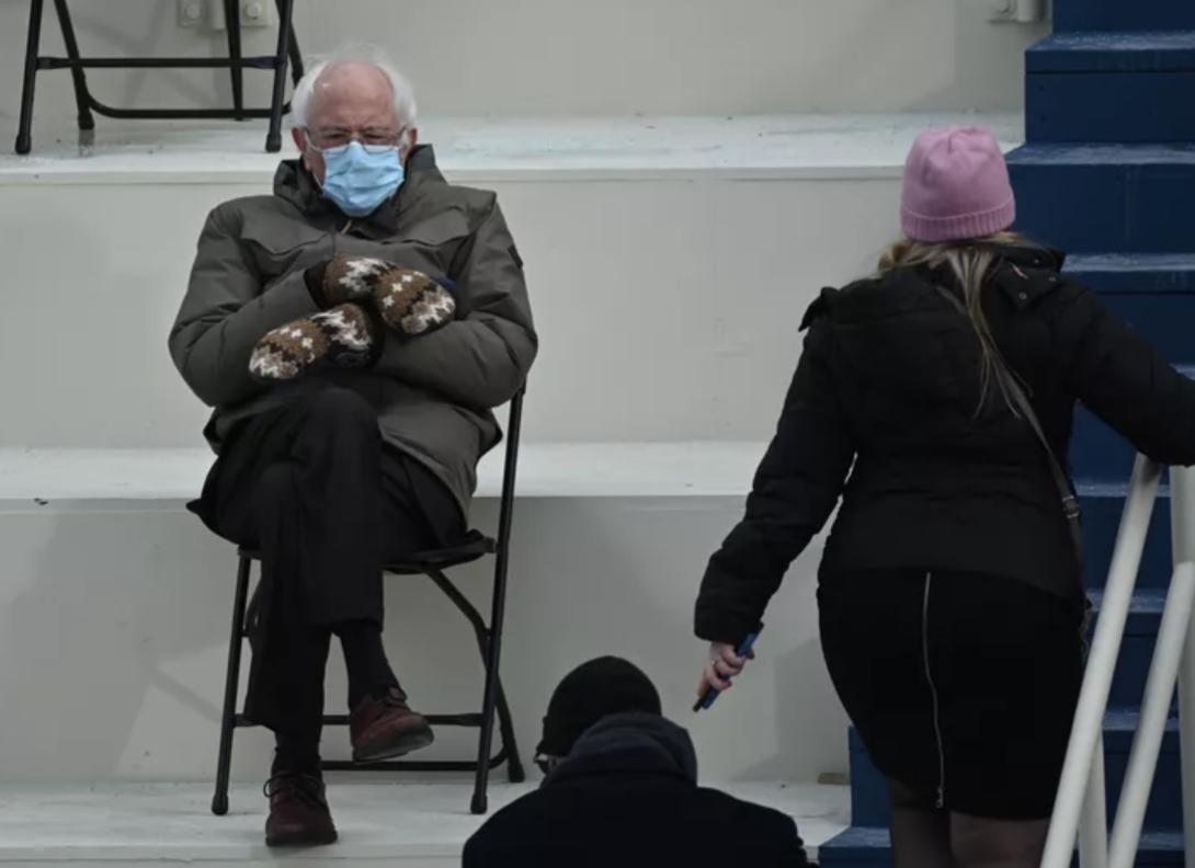 Sénateur au Congrès des États-Unis, Bernie Sanders, fait le buzz sur la toile avec une photo devenue virale!