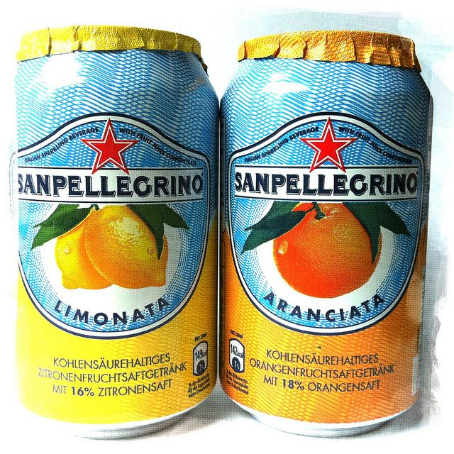 Your choice of Lemon Sparkling or Orange Sparkling. Contains 16% of Juice.