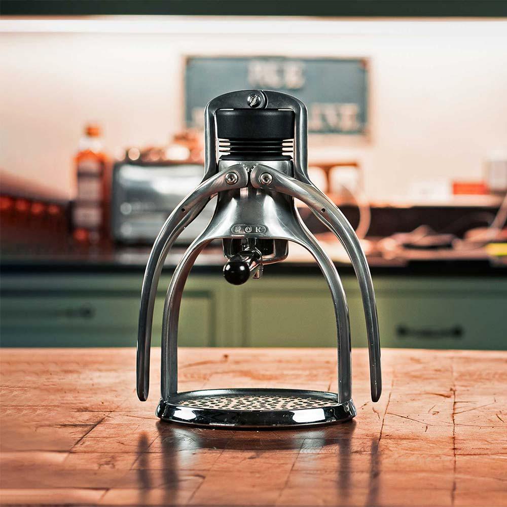 ROK EspressoGC  auf Küchentheke