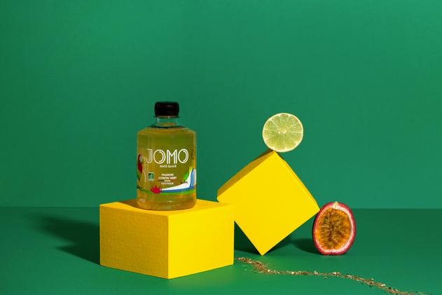 Maté du Brésil, infusé en France. Pur jus de citron vert du Mexique. Purée de passion péruvienne.