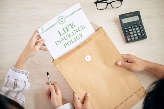 Use of two insurances to save tax money