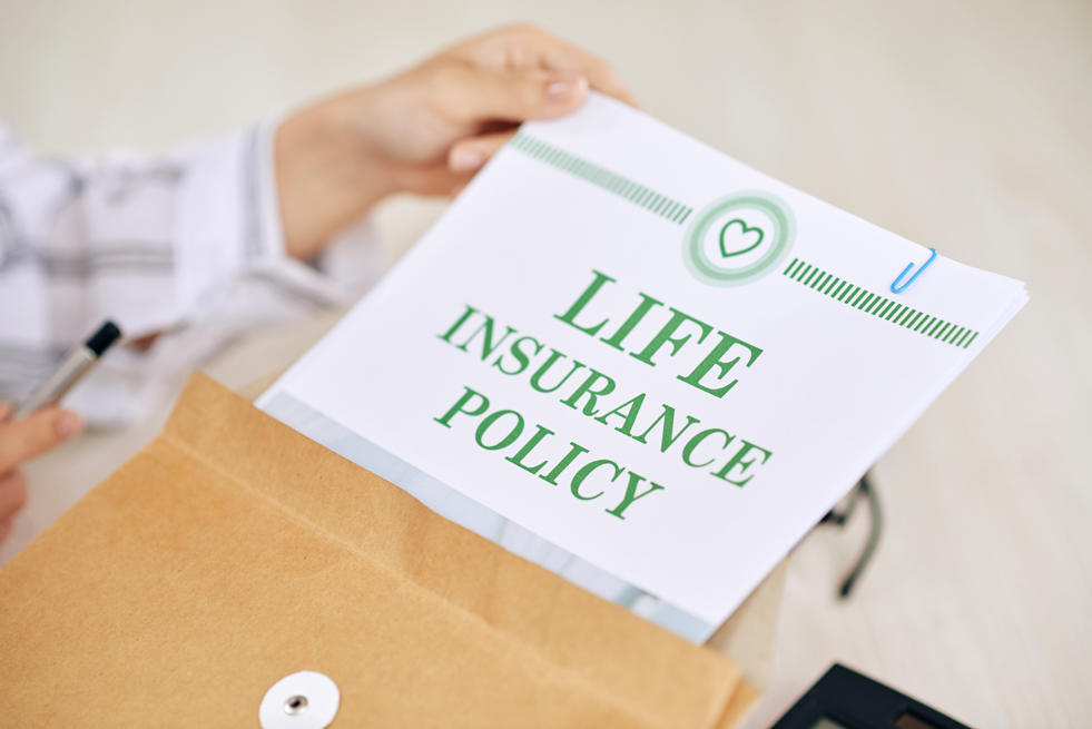 Pros and cons on life insurance policies