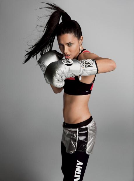 Picture of a woman boxing