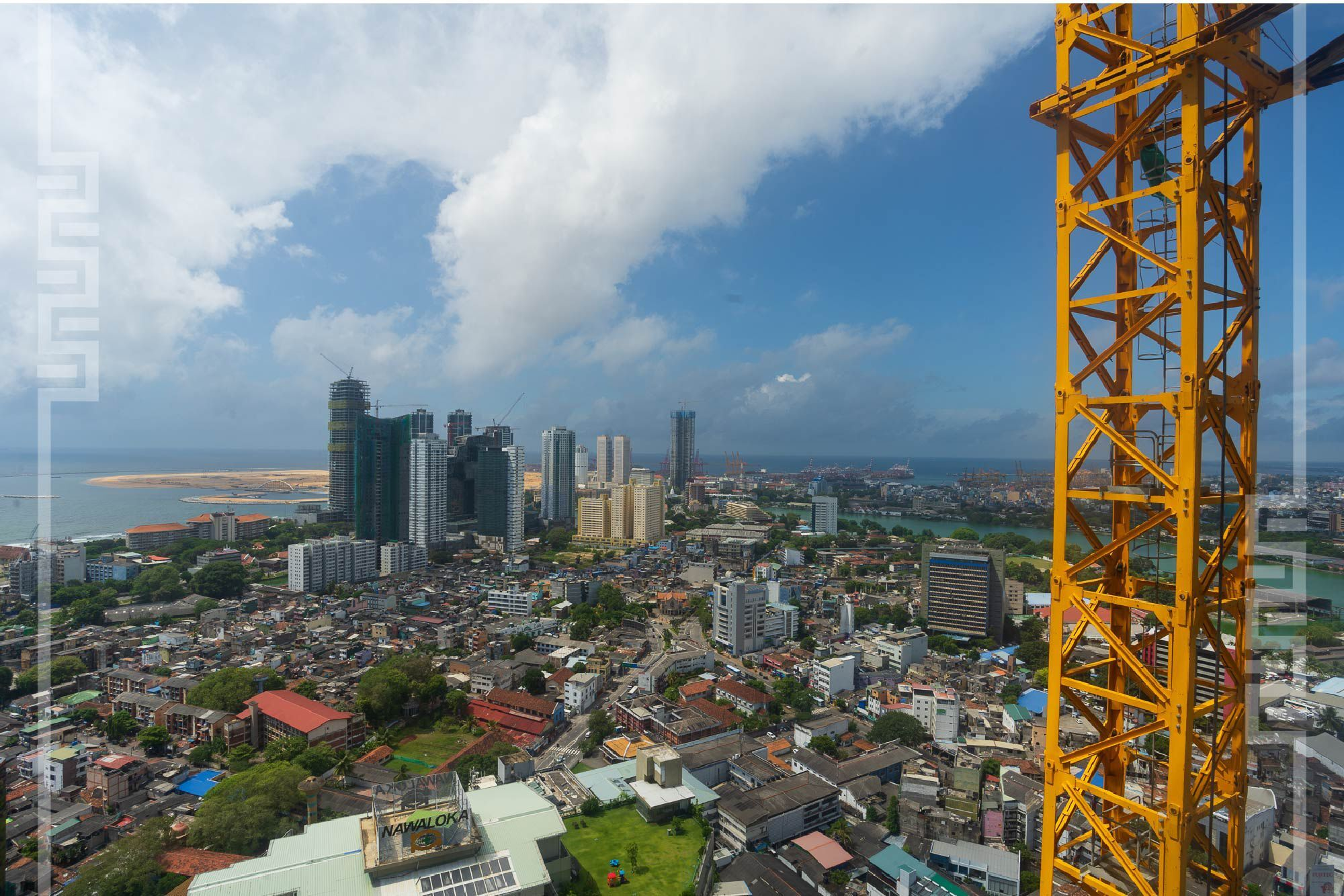 Colombo Cityscape view from Capitol TwinPeaks