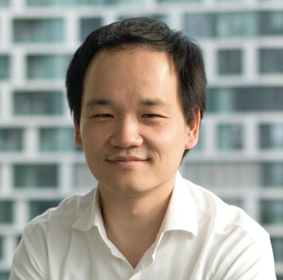Dr. Michael Gao is considered one of the world's leading Artificial Intelligence experts.