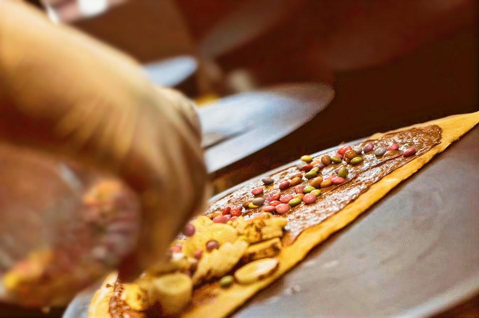 Sucre & Salé, le concept crêpe ! Crêpe Nutella, banane, Smarties...