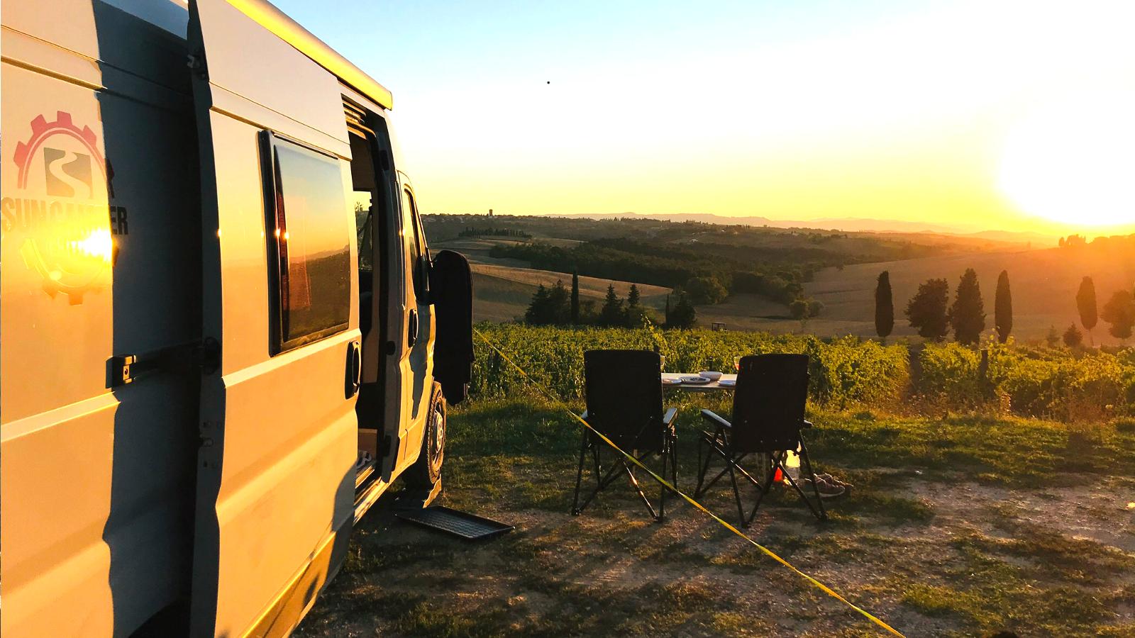 Wohnmobil Camper in der Toscana Italien