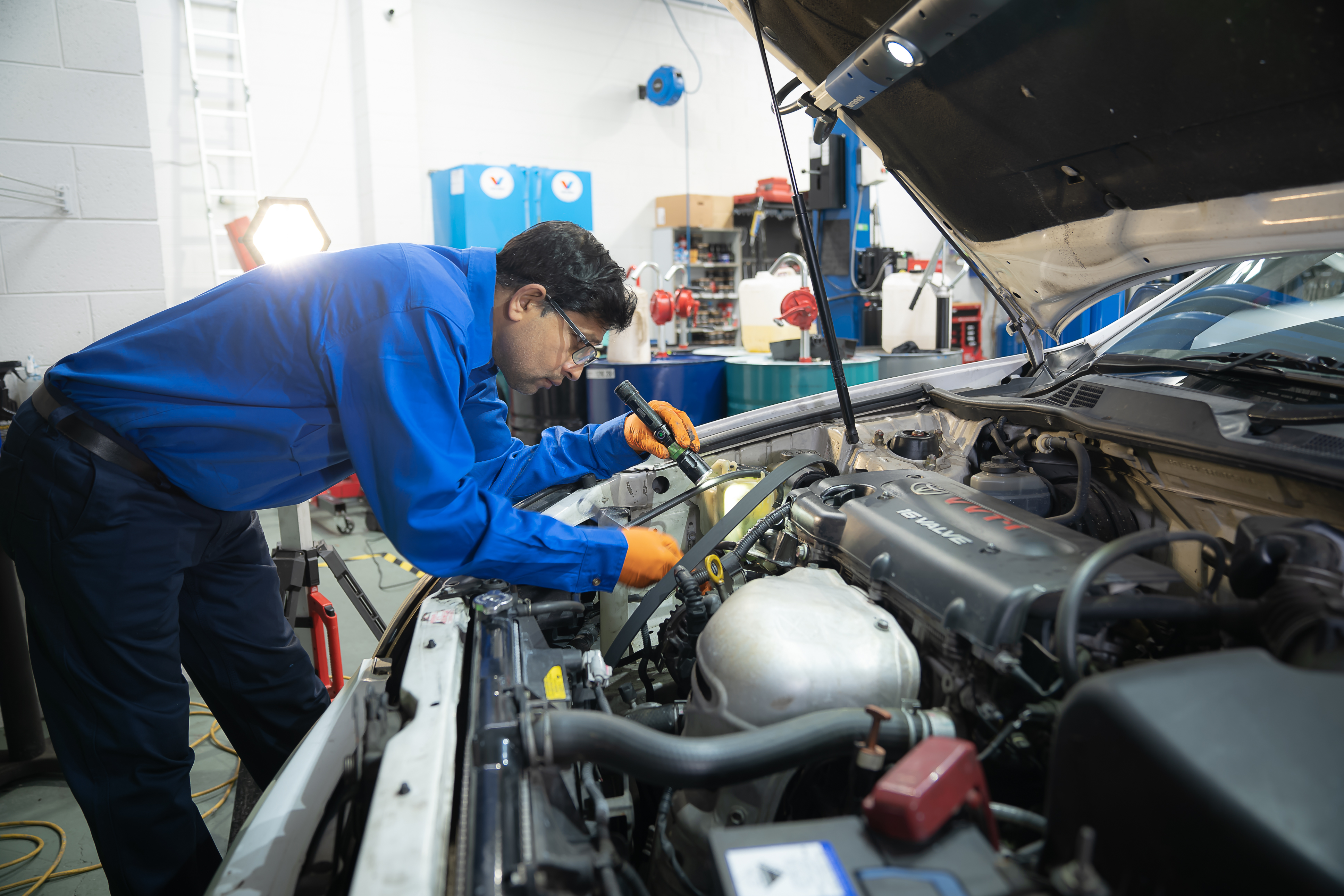 Signs That Indicate Your Car Needs Auto Repair & Diagnostics