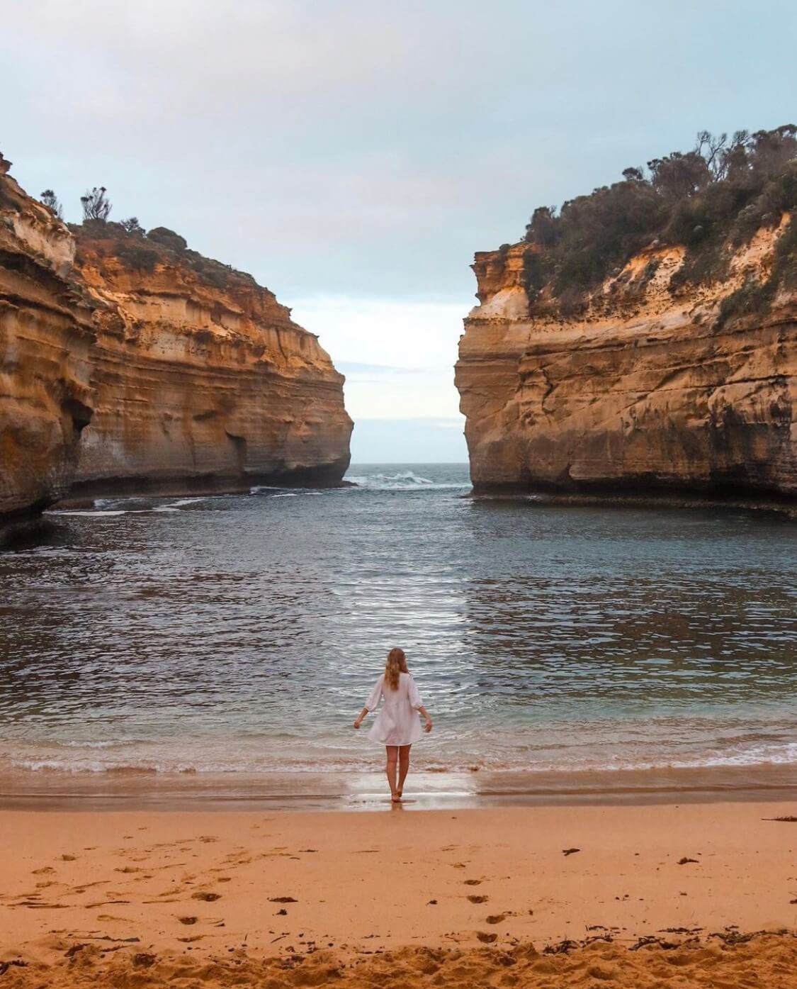 #GoHyperlocal Guide to Great Ocean Road - Curated by Travis for your next Australian getaway. Featuring Loch Ard Gorge.