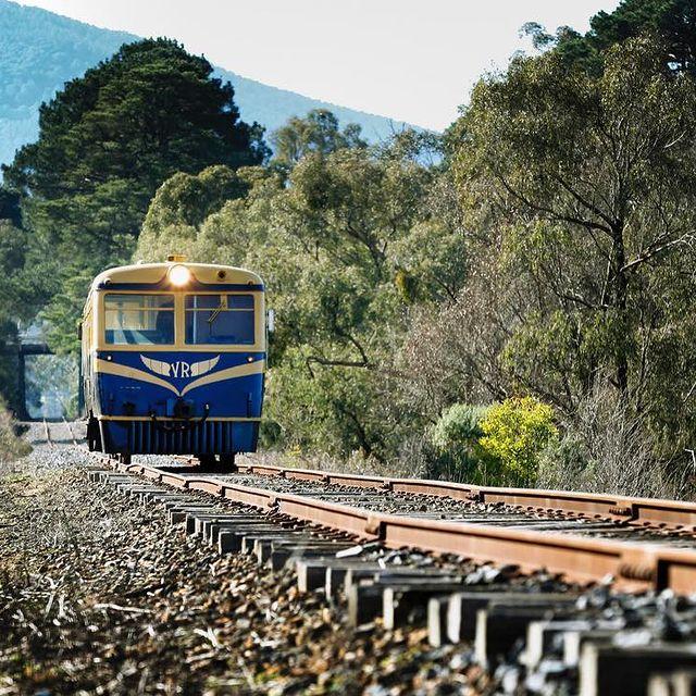 Travis Yarra Valley Guide - Historic Yarra Valley Railway Tour