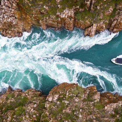 Travis Broome Guide - Seaplane over Horizontal Falls