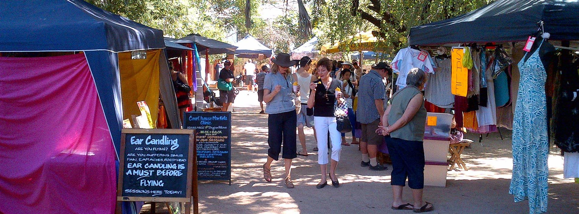 Travis Broome Guide - Shopping at the Courthouse Markets