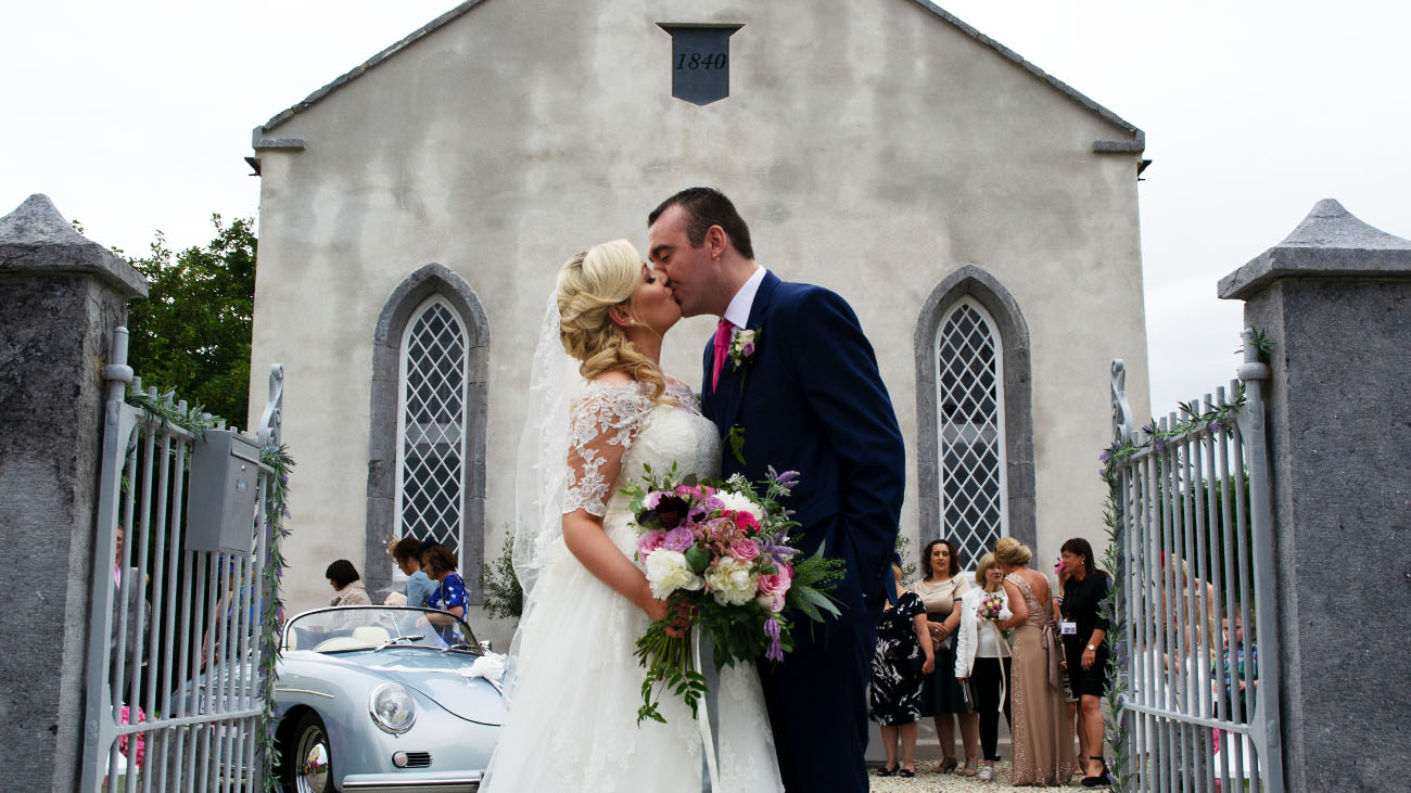 Woodside Chapel Bride and Groom Kissing Front