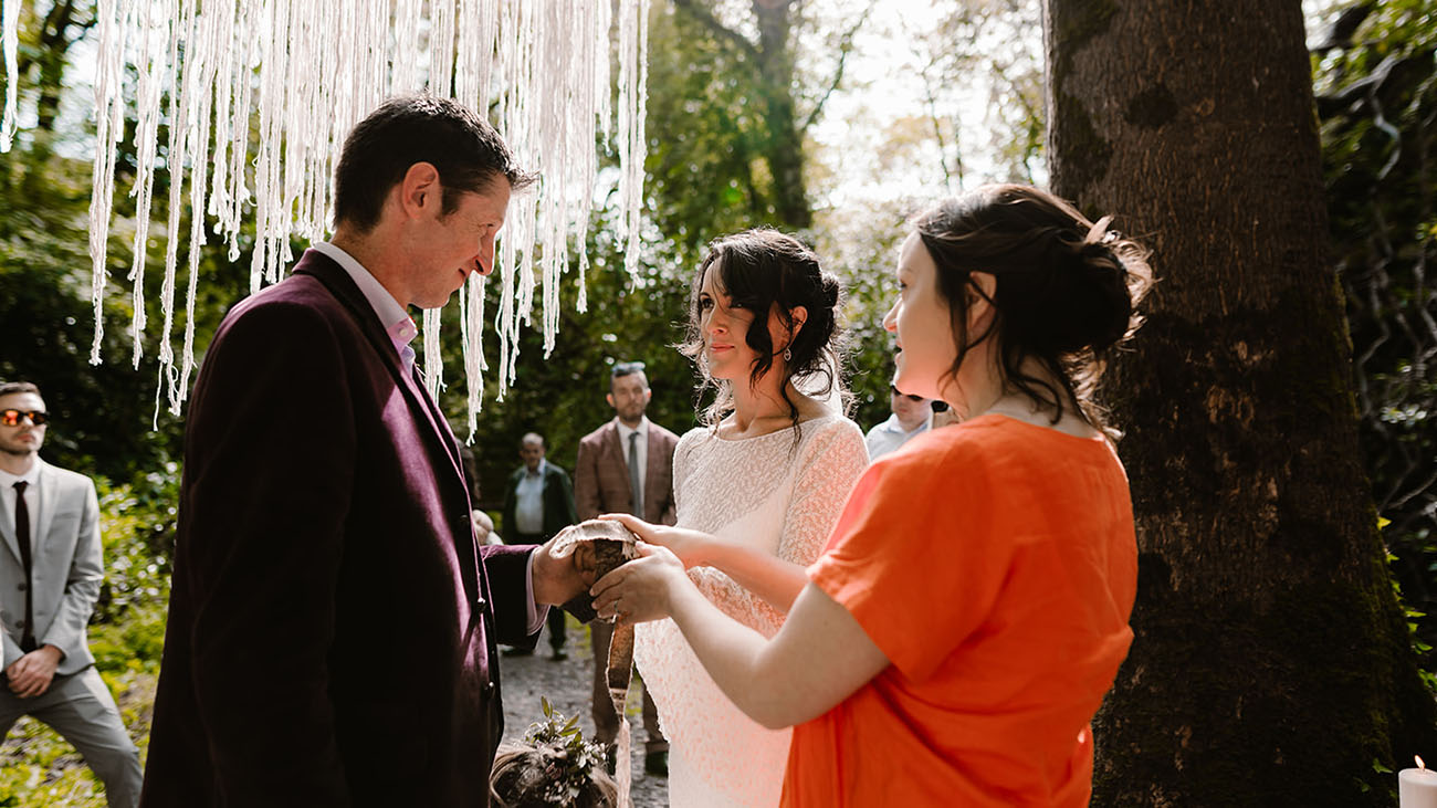 Reverend Gabrielle O'Brien carrying out a Handfasting ceremony
