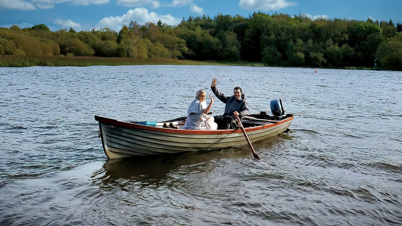 VM Media Bride and Groom on a Boat