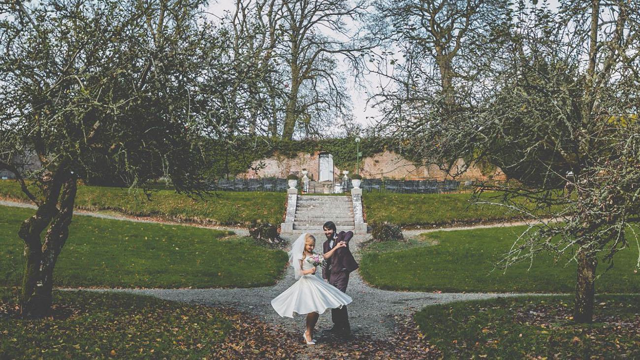 Boyne Hill House Bride and Groom in Garden