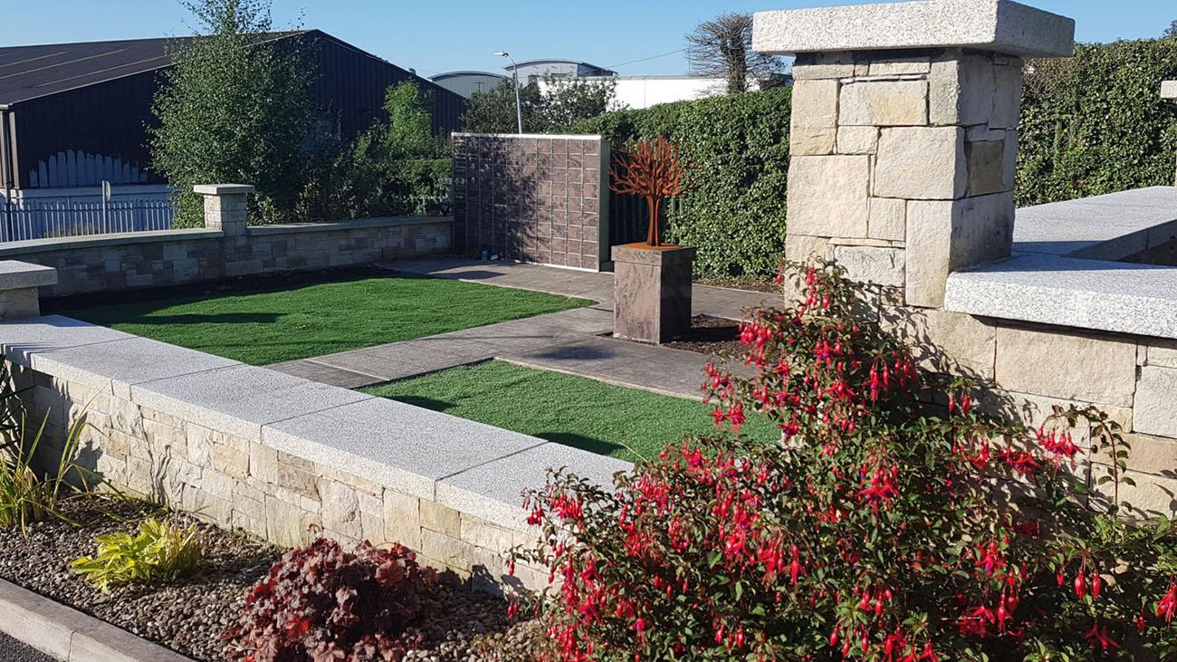 Lakelands Funeral Home & Crematorium Garden