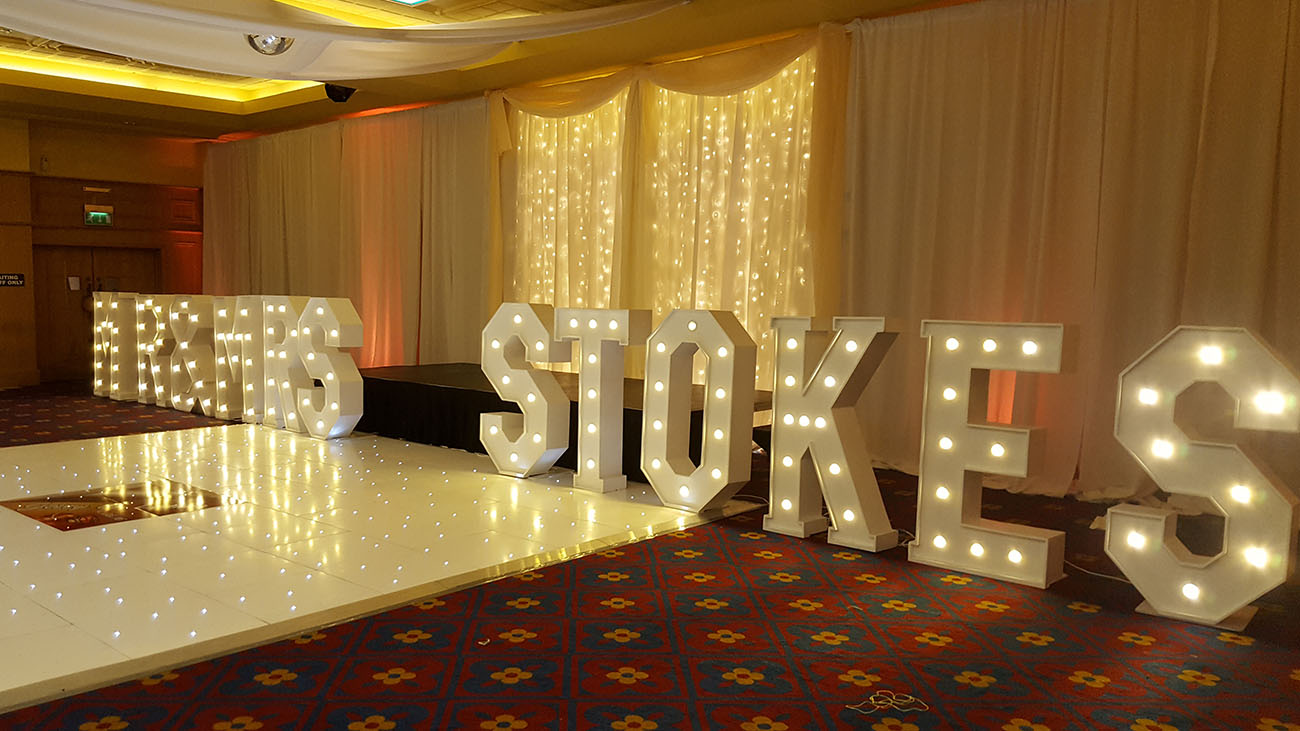 Wow-Weddings 3D Wedding Love Letters