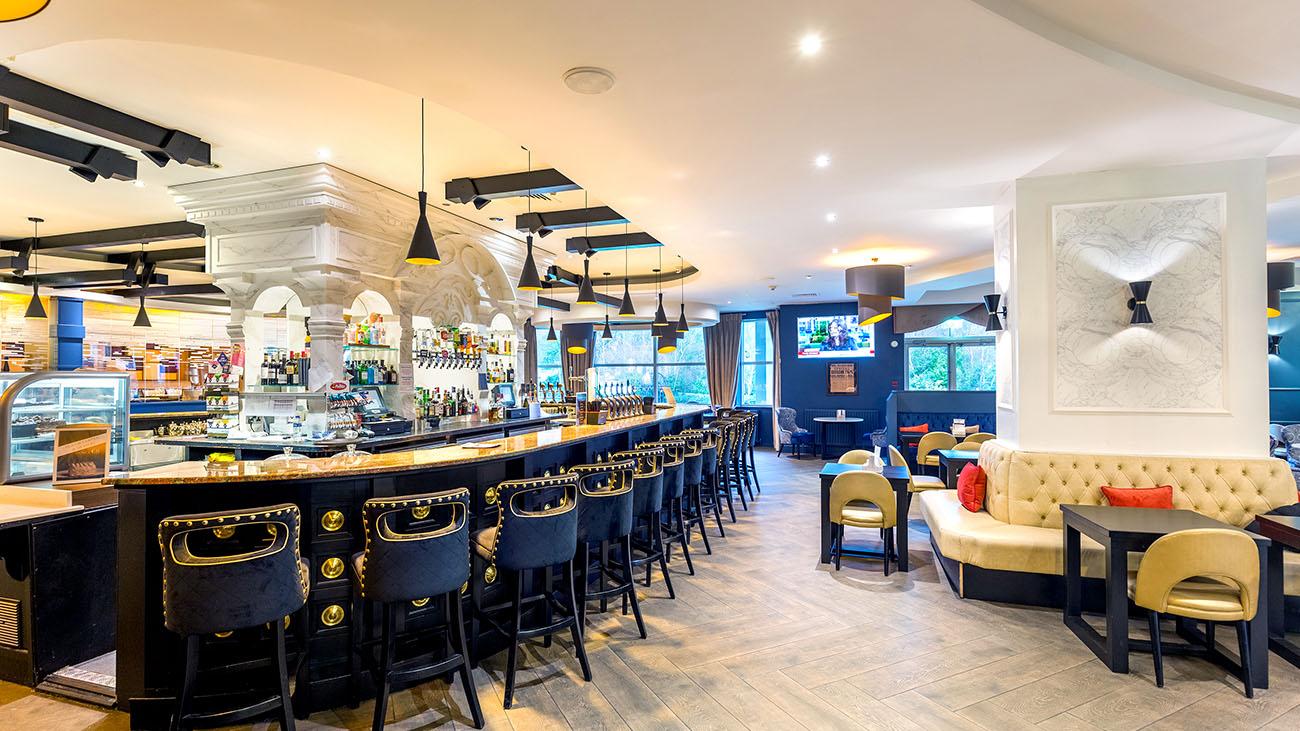 Four Seasons Hotel Bar Area