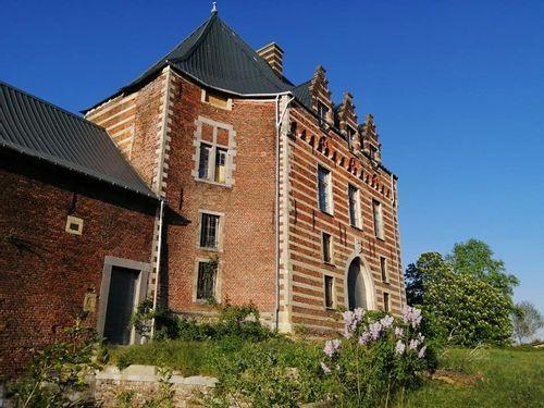 Heers Castle Walk