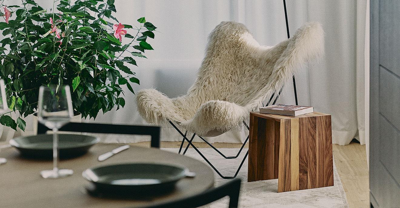 Istaba ar krēslu
