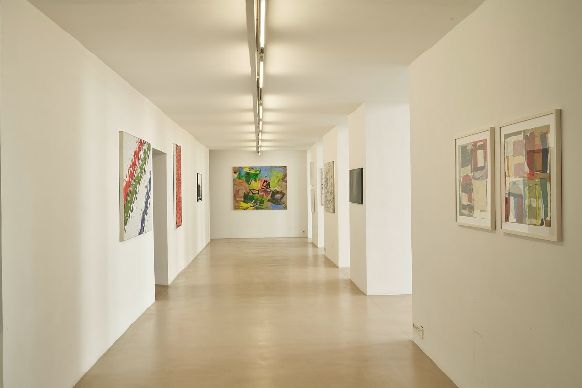 zs art gallery, vienna,  long hall with artworks from W.Drach, I.Pluhar, T.Koch, H.Swoboda, E.Toman und H.Reiterer