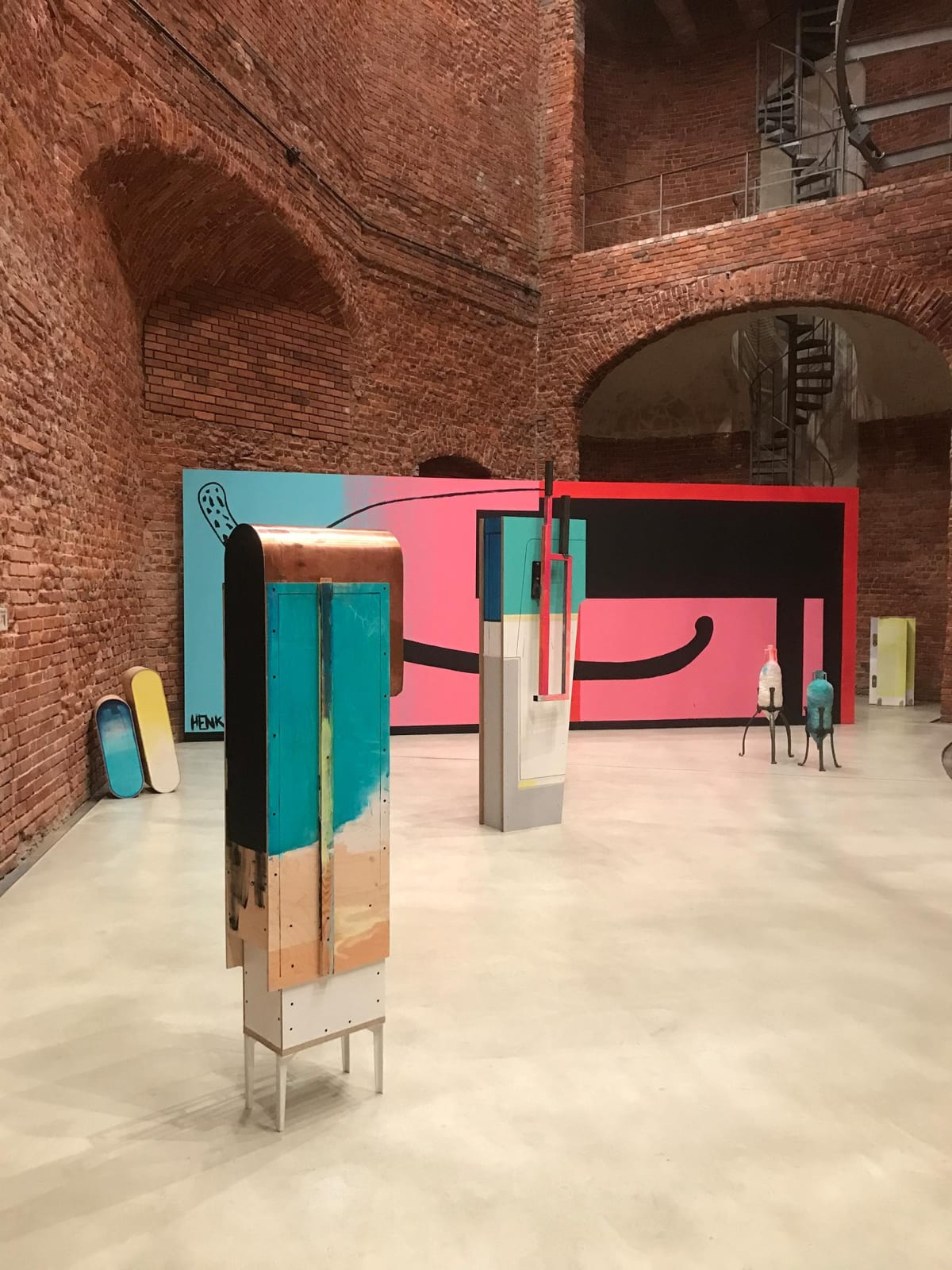 viewing room, gallery, artist, christian henkel, installation art,
