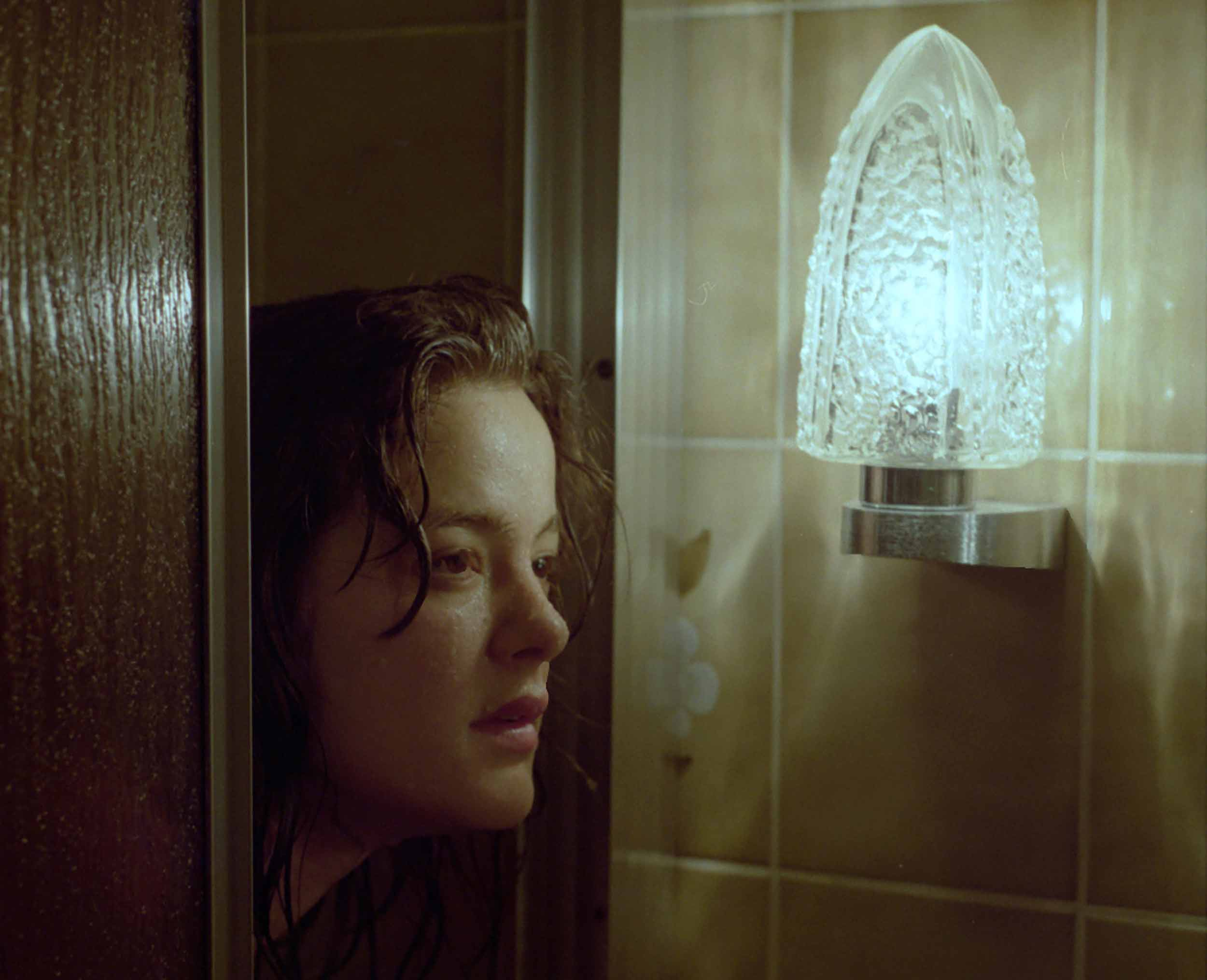 paula hummer, young photographyer, art, student, street photography, portrait, bathroom