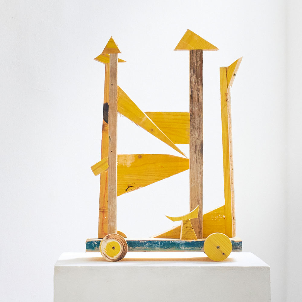 detail, contemporary artist, 2021, vienna, yellow sculpture