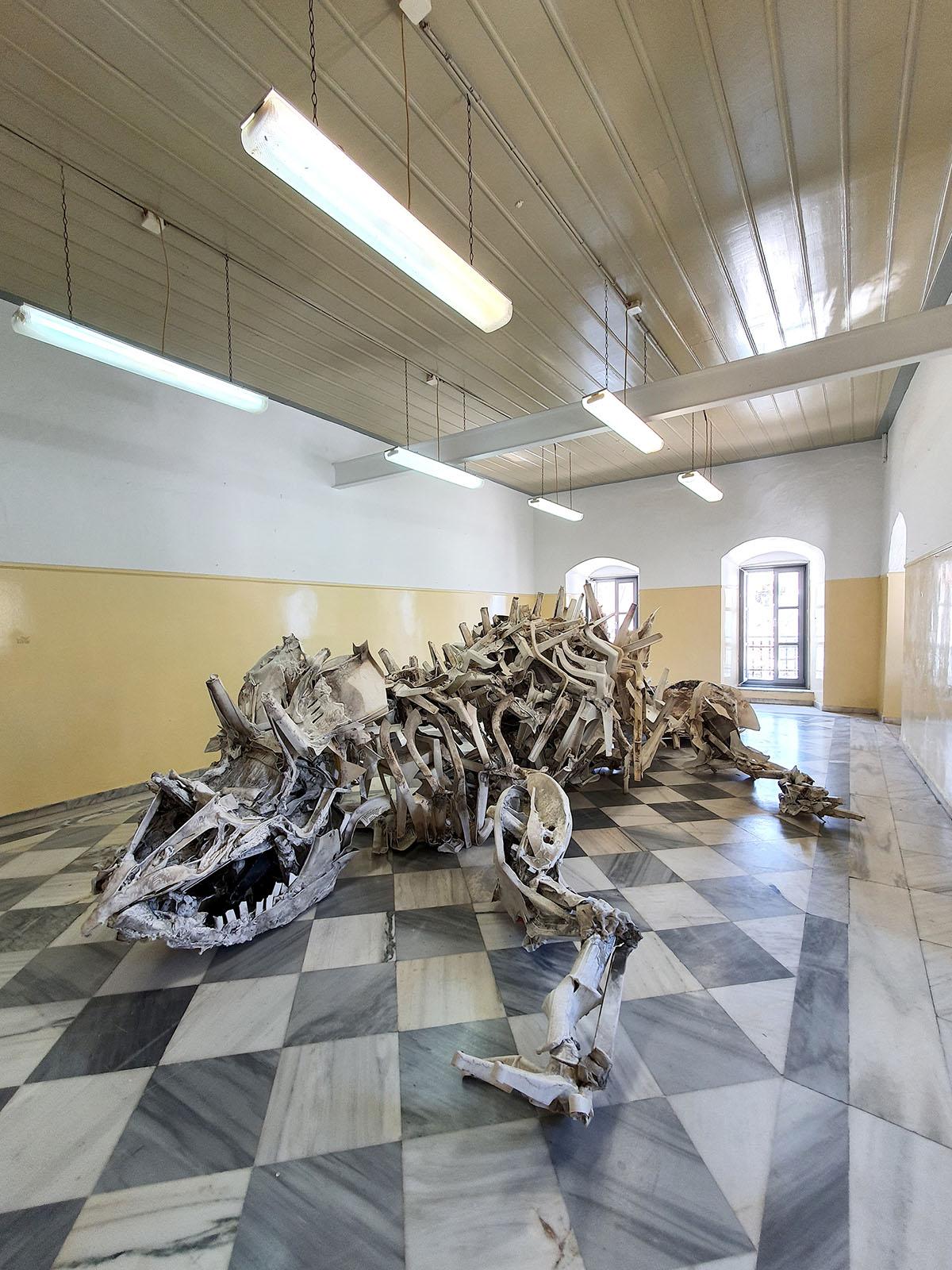 large sculpture, life size, sculpture, dinosaur, life like