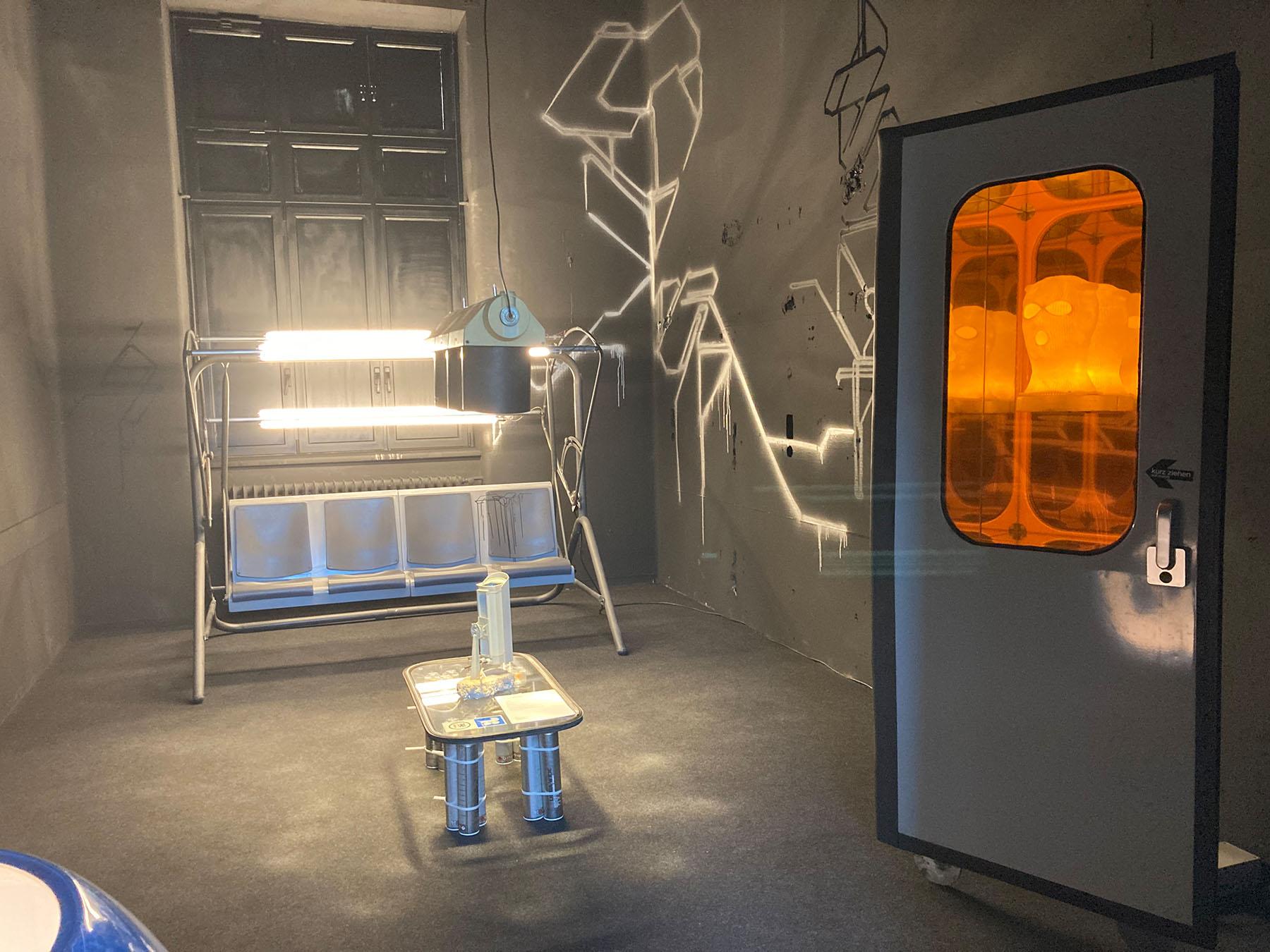 helmuts art club, thomas weidhofer, paul hoffmann, installation, lights, neon