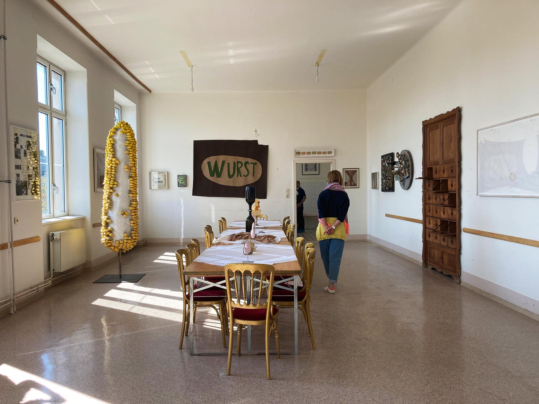 parallel vienna, cantine, group art show with installations
