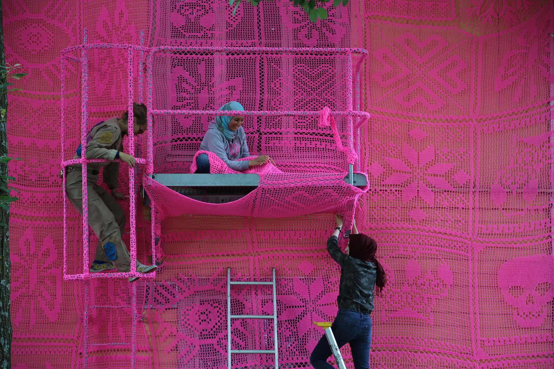 alfred einstein pink house, crochet, craft, american art museum, wall street bull, brooklyn bridge