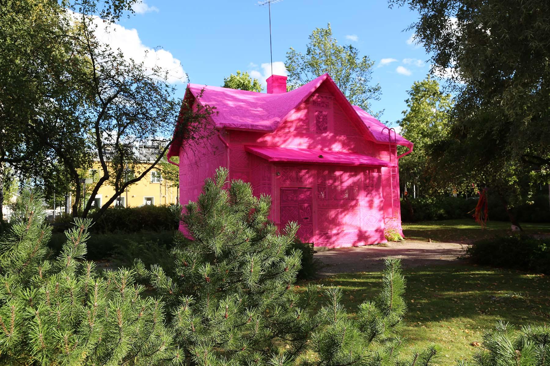 astor place cube, sculptures, sculptor, installations, performance