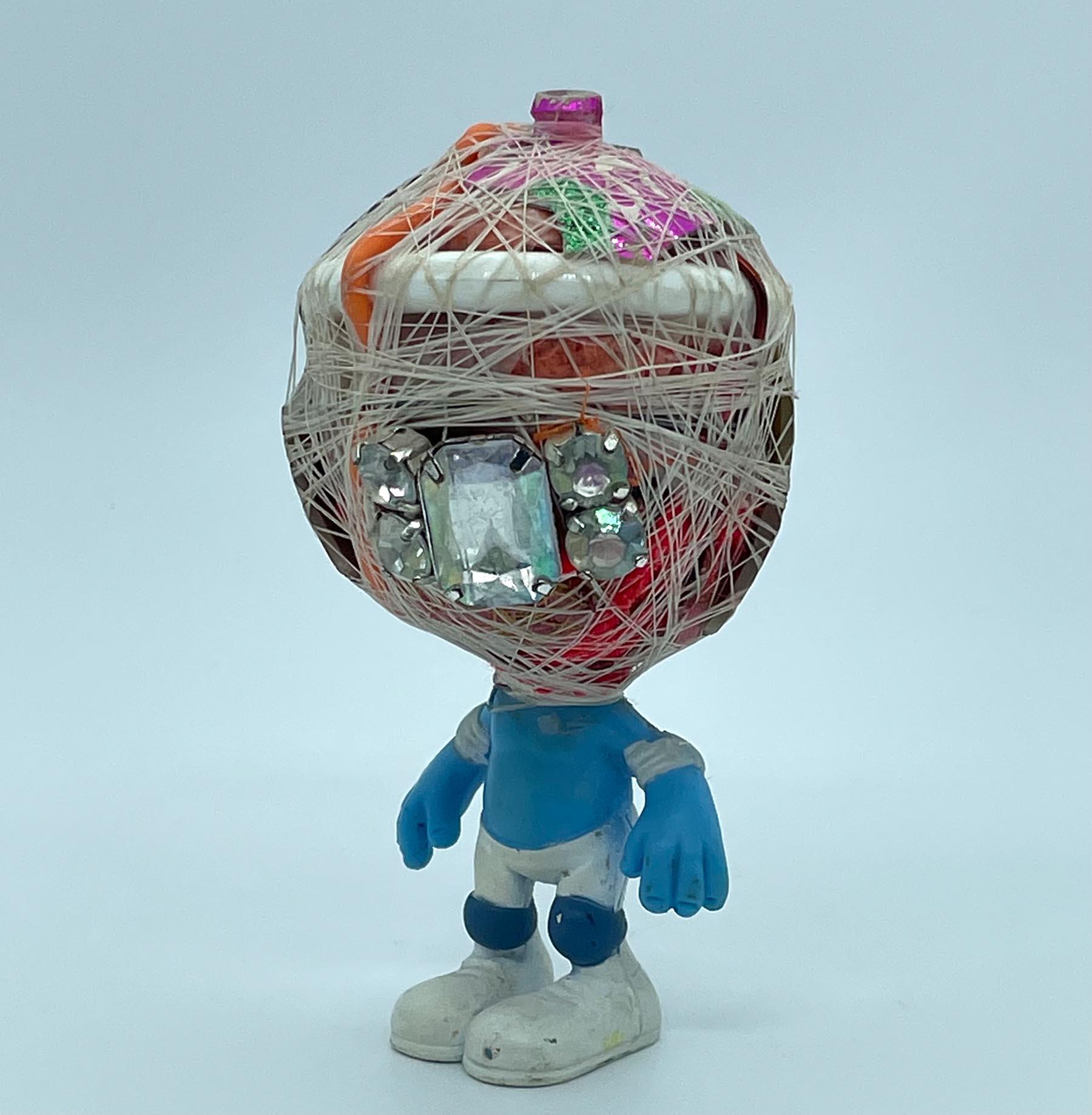 junk art, recycled material, sculptures, sculptor, dumpsters, saving, resources,