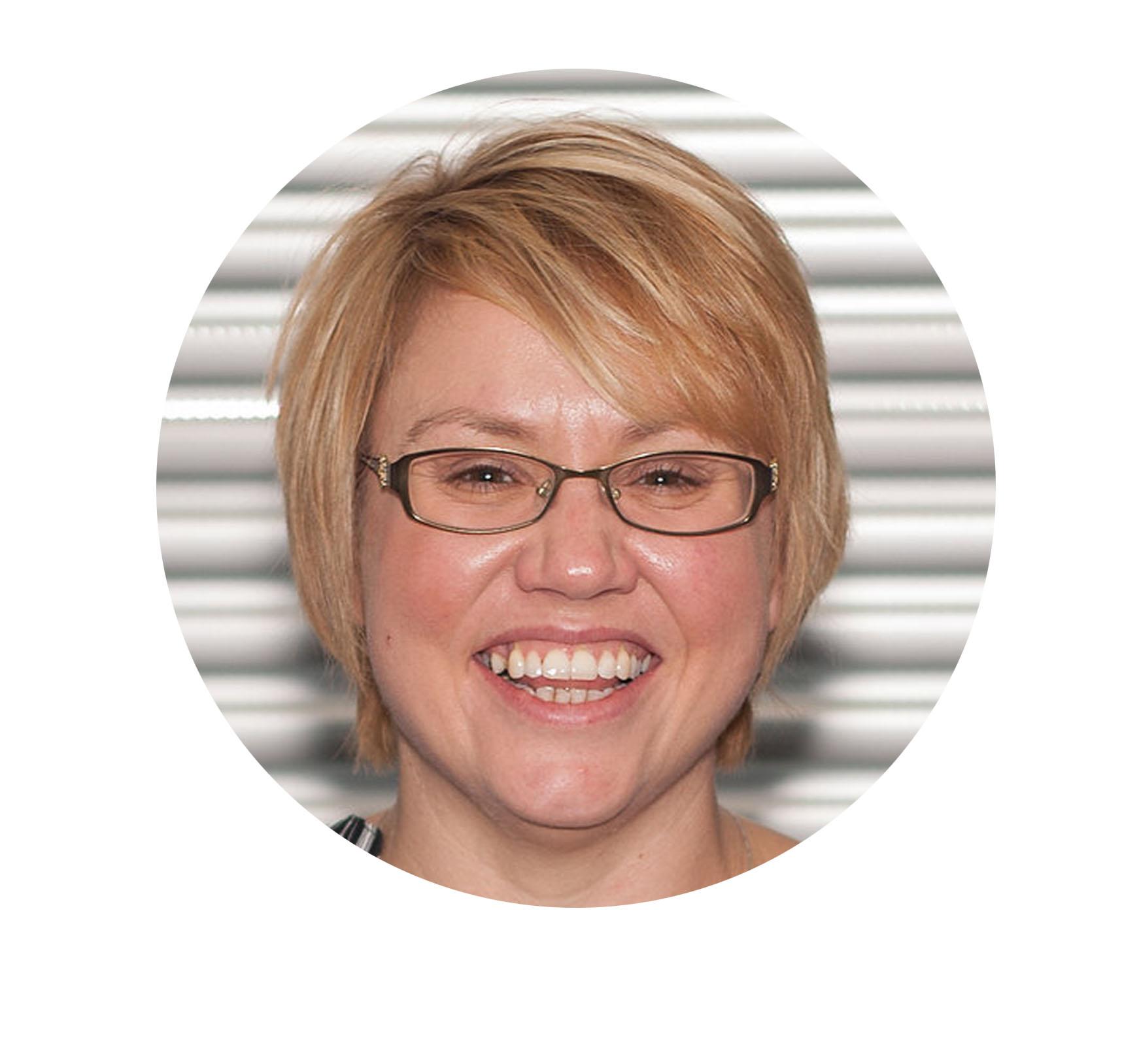 Sarah Walker Headshot