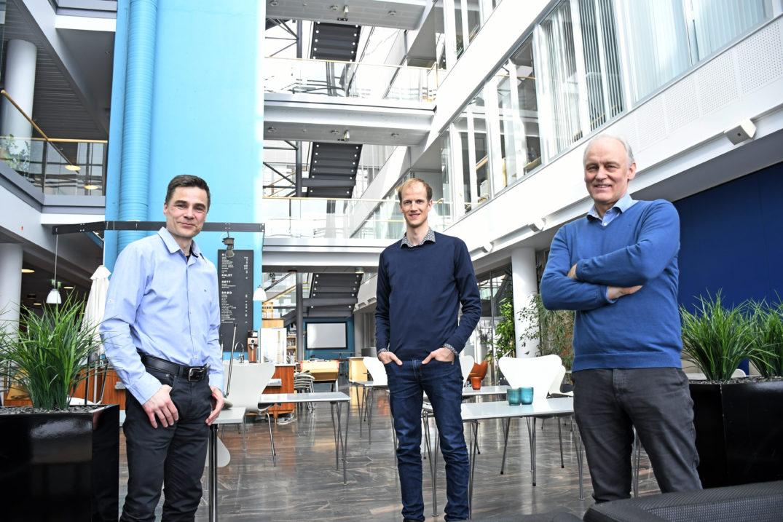 Robert Jenssen (fra venstre), Karl Øyvind Mikalsen og Rolv Ole Lindsetmo er tre av de som har vært ivrigst i å ta i bruk kunstig intelligens innen helse og sykehusbehandling.